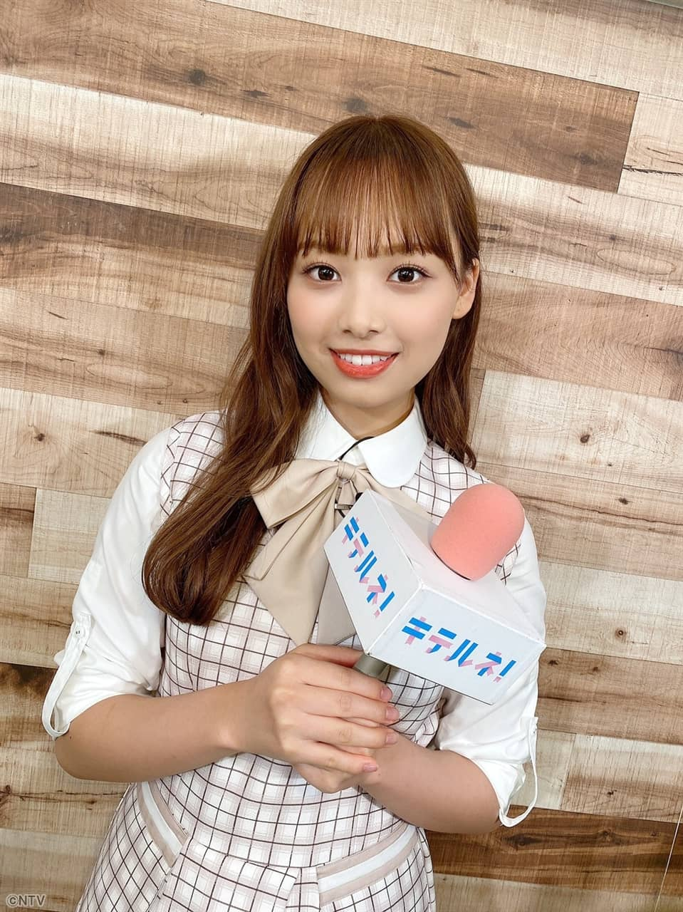 日向坂46 濱岸ひよりが「ZIP!」に出演!この秋流行りの最新スニーカーを紹介!【2021.9.8 5:50〜 日本テレビ】